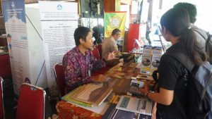 Kunjungan Sekretaris Jenderal Kementerian Pendidikan dan Kebudayaan (Kemdikbud) di Bazar Buku Murah Solo Pada hari kedua Bazar Buku Murah memperingati Hardiknas