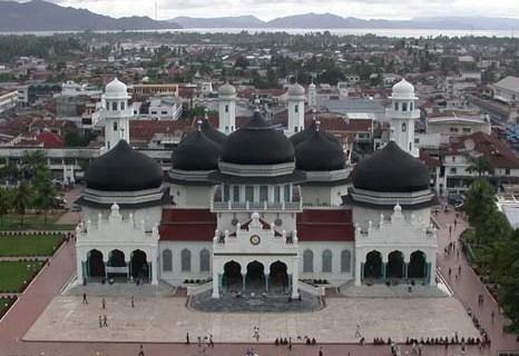Masjid Raya Baiturrahman Kebanggaan Aceh Yang Melintas Sejarah