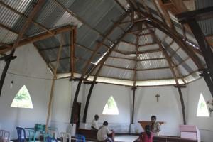 Gereja Tua Riung Tampak Dalam