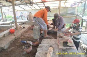 Penyediaan Batu Pemasangan Struktur Kaki III ( Kaki Tubuh ) Sisi Selatan Lapis 41