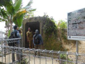 Peninjauan Bunker Ladang di jalan Pulau Halmahera (belakang Kantor Kesbangpol), Kampung Satu