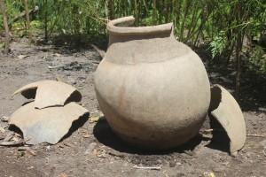 Tempayan yang ditemukan masyarakat di timooni