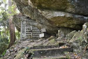 Kompleks Makam Puang Leoran