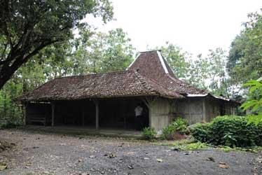 7.-rumah-tradisional-kismo-sudarmo