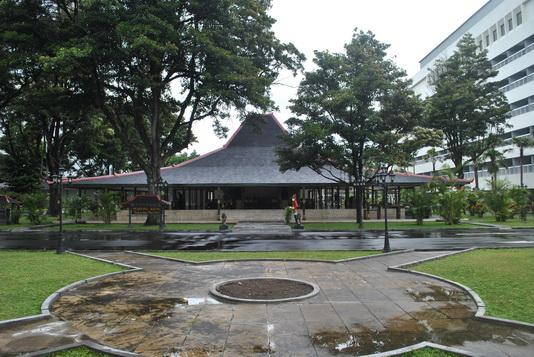 Pendapa yang terdapat di Pesanggrahan Ambarrukma (Foto dok. BPCB D.I. Yogyakarta)