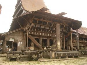 800px-omo_sebua_south_nias_indonesi