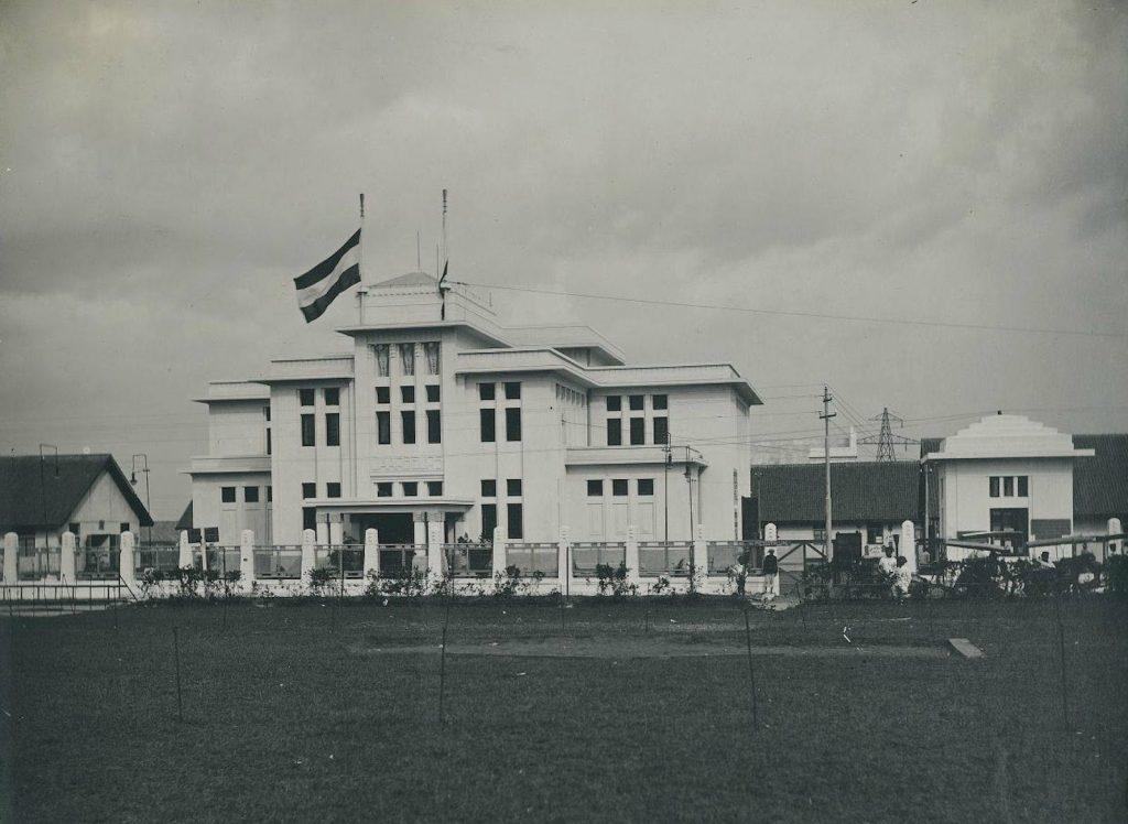 Gedung Jaarbeurs pada tahun 1920-an *sumber foto: Istimewa