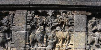 Relief Jataka Candi Borobudur yang sarat akan ajaran budi pekerti