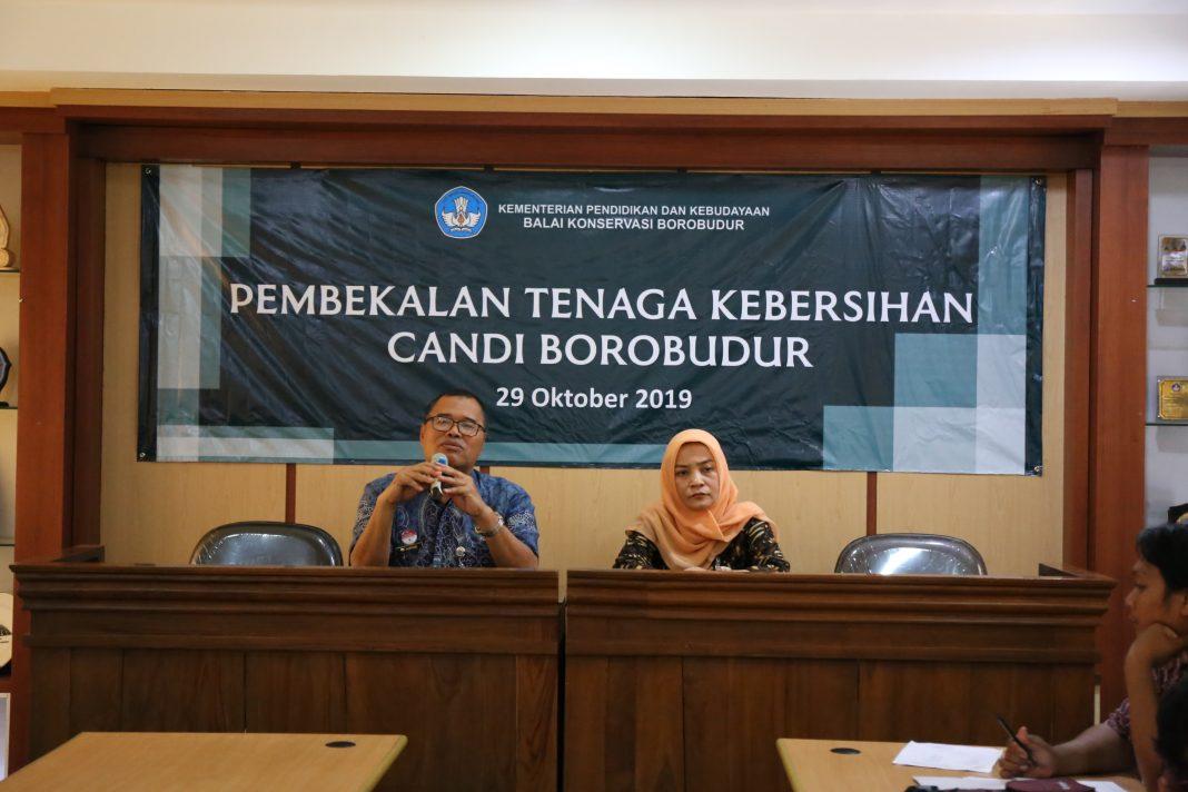 Kegiatan Pembekalan Tenaga Kebersihan Candi Borobudur