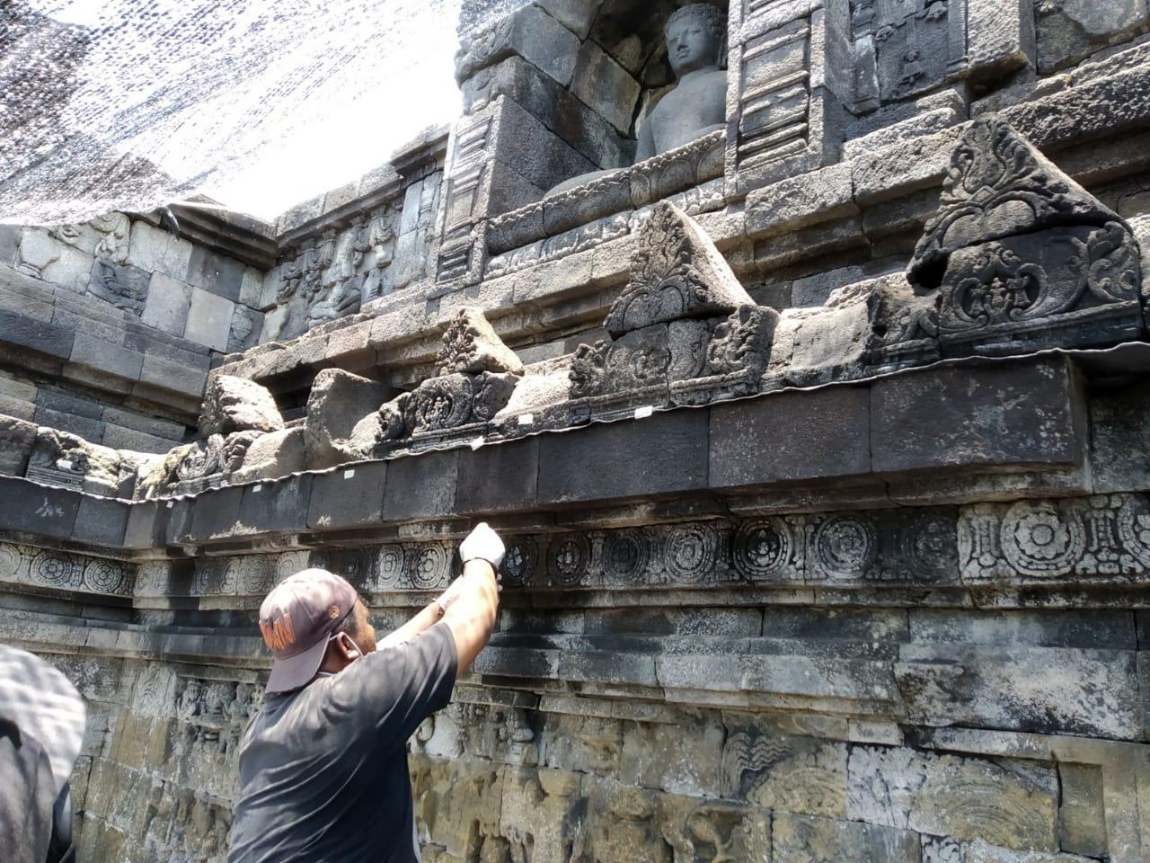 Read more about the article Konsolidasi Batu Relief Candi Borobudur