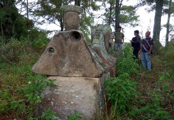 Read more about the article Batu Kubur/Sarkofagus Simarmata tinggalan Simarta Raja