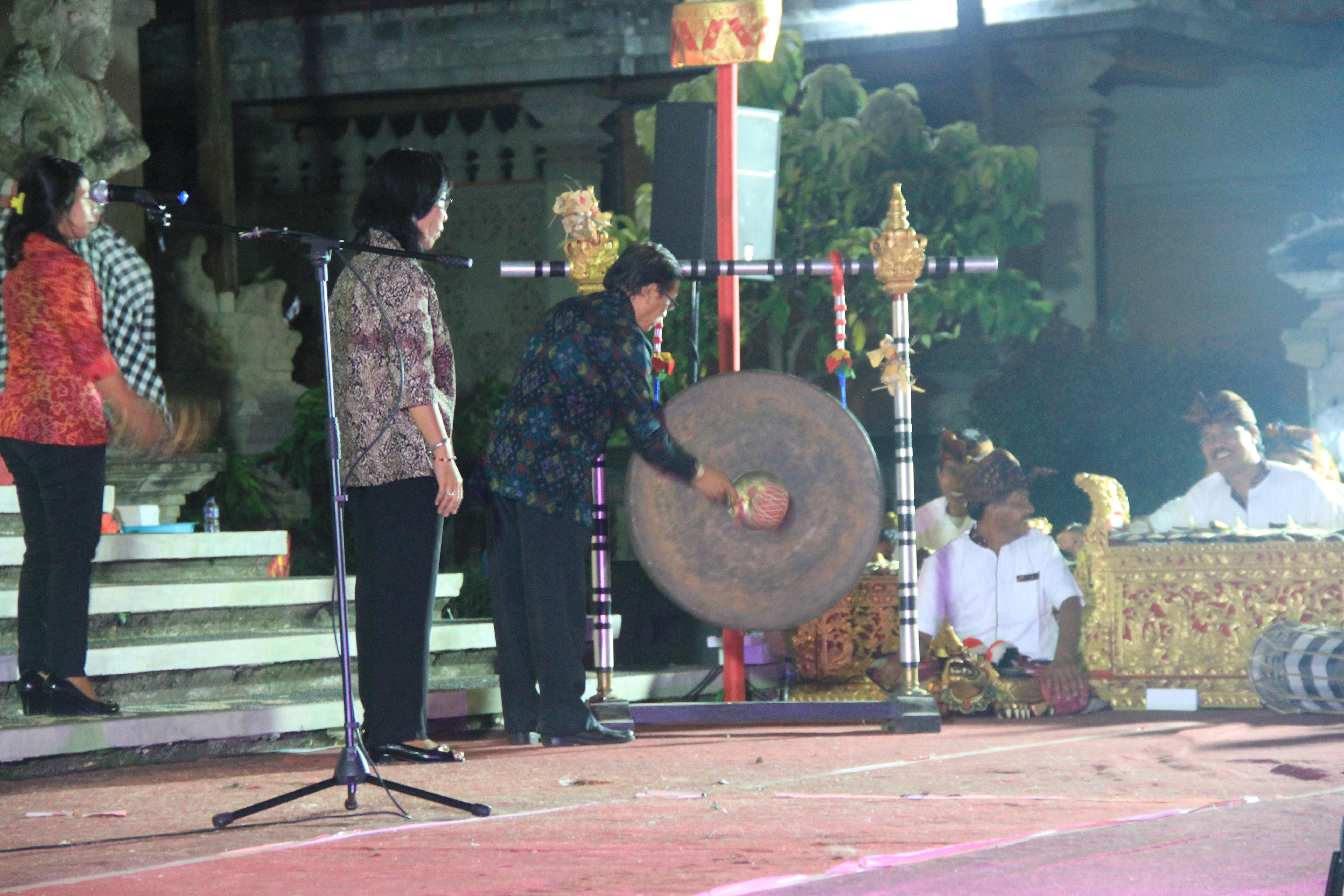 Read more about the article Seremonial Pembukaan Pameran Pelestarian Cagar Budaya di Gedung Kriya, Art Center, Denpasar