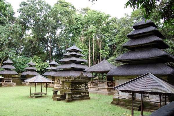 Read more about the article Pura Dalem Kayangan Kedaton