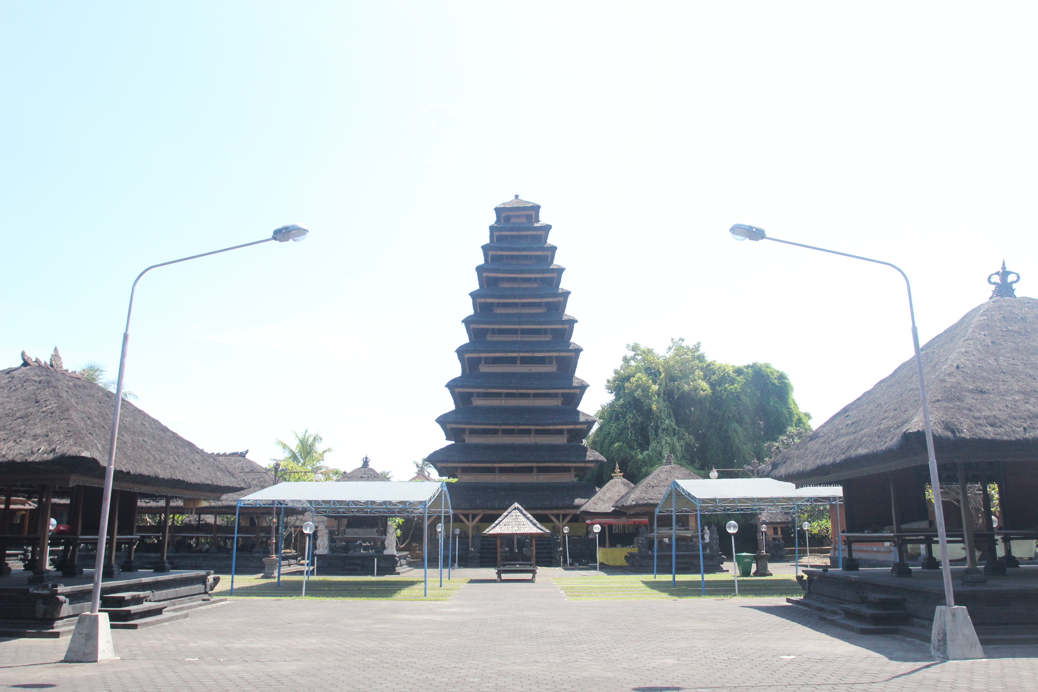 Read more about the article Pura Ulun Swi