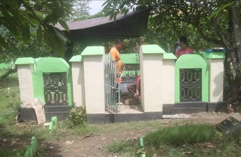 Read more about the article Makam Kuno di Pemakaman Muslim Maruti XIII