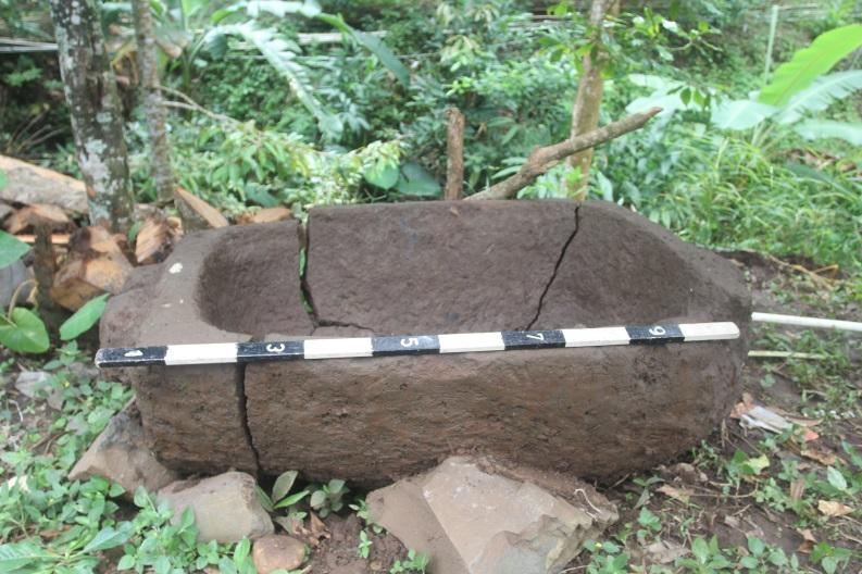 Read more about the article Peninjauan Penemuan Objek Diduga Sarkofagus di Desa Tegal Linggah