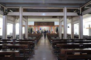 bagian dalam Gereja Santa Maria de Fatima