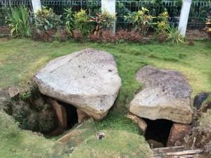 Kubur Batu Talang Pagaragung