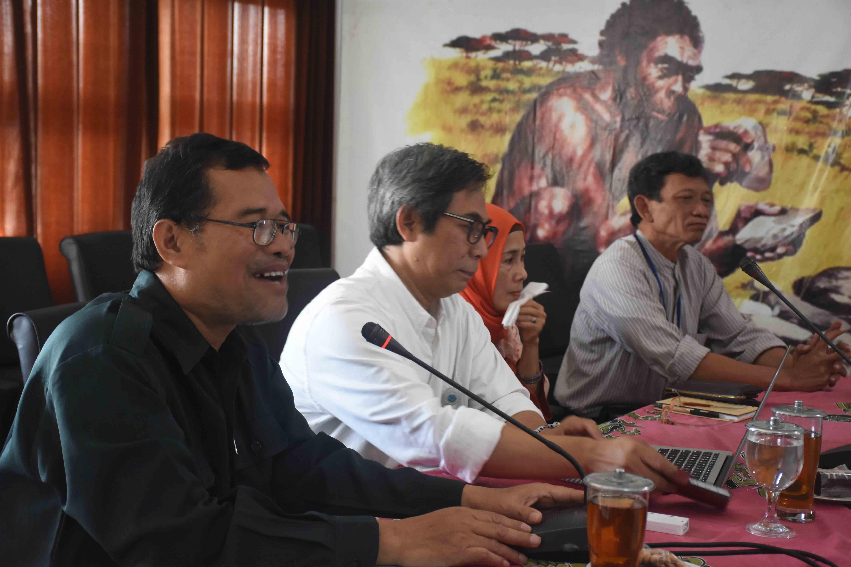 You are currently viewing Sekretaris Jendral Direktorat Jenderal Kebudayaan Melakukan Pembinaan Pegawai di BPCB Jateng