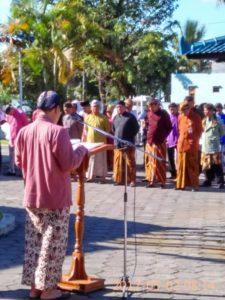 Read more about the article Upacara Peringatan Hardiknas Pegawai BPCB Jateng Memakai Pakaian Tradisonal