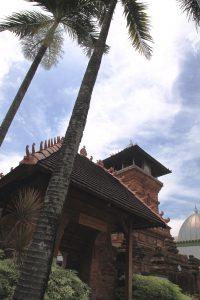 Read more about the article Jawa Tengah Sebuah Potret Warisan Budaya, Seni Bangunan Islam (4)