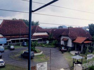 Read more about the article AKK dan SMA Ibu Kartini, Sekolah Karya Karsten