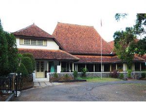 """Read more about the article """"Cagar Budaya Nasional Jawa Tengah"""" Bagian VIII Bangunan Sekolah Menengah Atas dan Akademi Kesejahteraan Sosial Ibu Kartini (Van Deventer School)"""