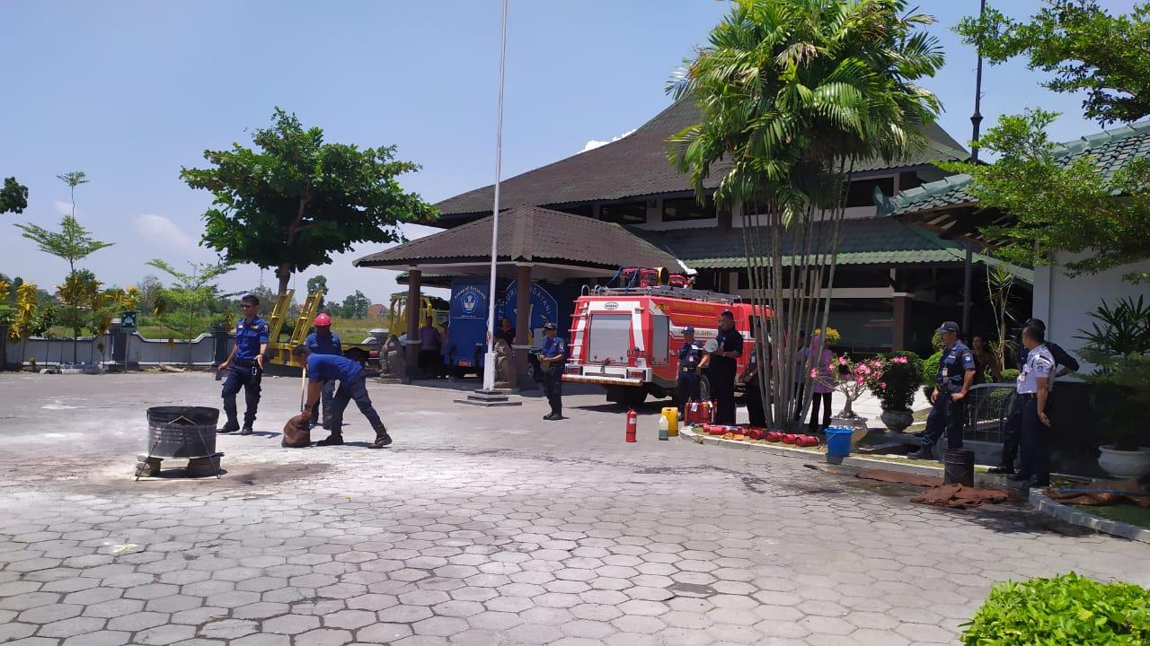 BPCB Jateng Adakan Pelatihan dan Simulasi Pemadam Kebakaran