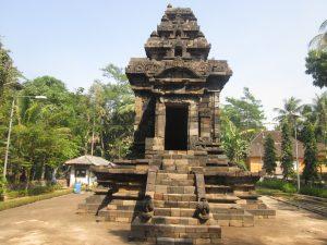 Read more about the article Jawa Tengah Sebuah Potret Warisan Budaya, Seni Bangunan Klasik (1)