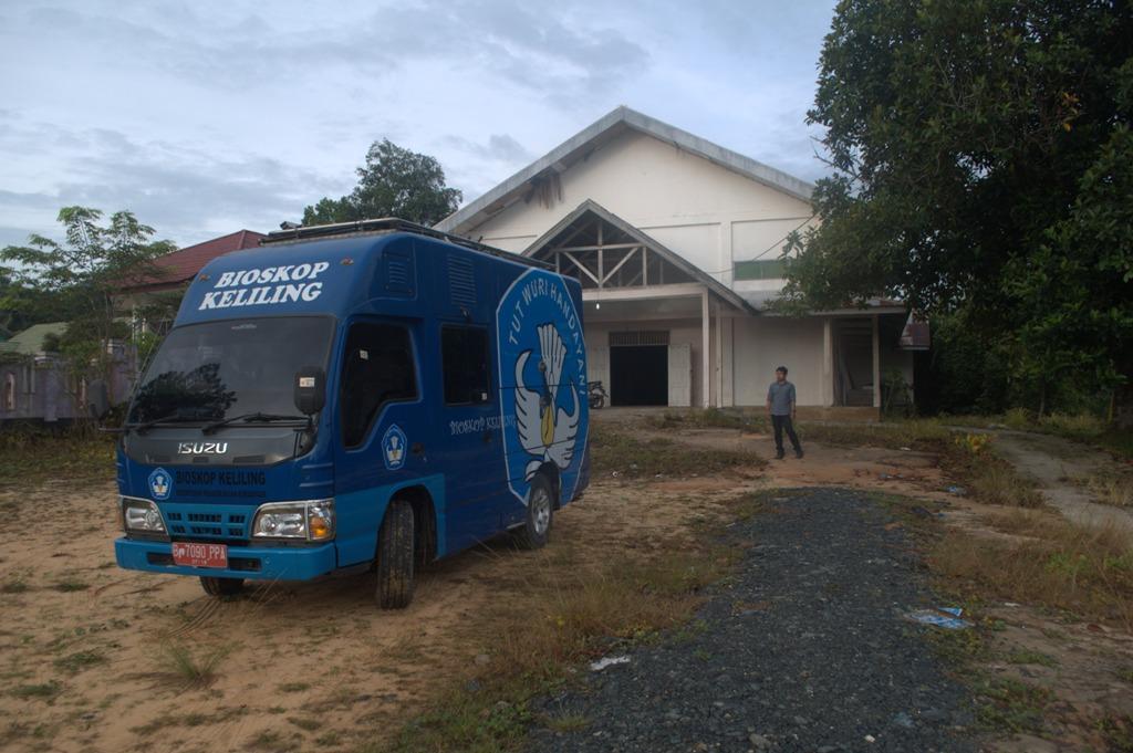 Kegiatan Bioskop Keliling SMPN 1 Paser Balengkong, Kabupaten Paser