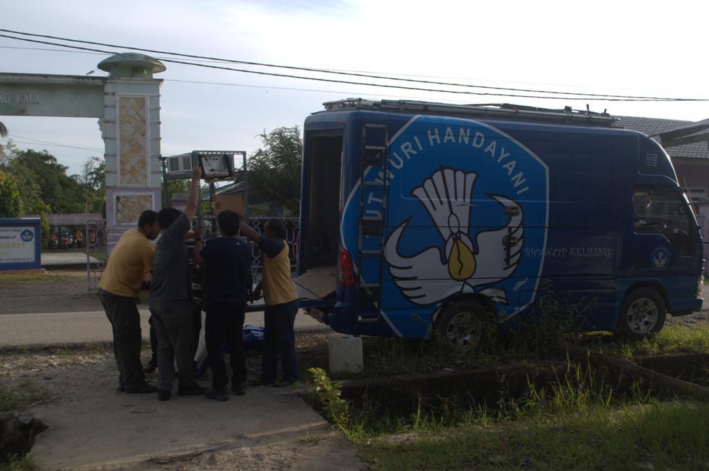 Kegiatan Bioskop Keliling SMPN 2 Tanah Grogot, Kabupaten Paser