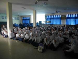 Read more about the article Bioskop Keliling di SMPN 1 Penajam Paser Utara, Kabupaten Penajam Paser Utara