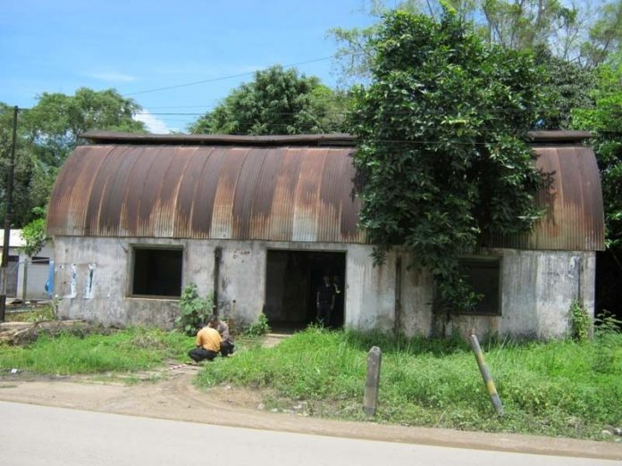 Gedung Lengkung Loa Kulu