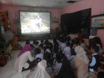 Pemutaran Bioskop Keliling di TK Cendrawasih Samarinda