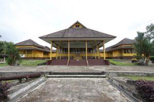 Istana Al Mukaromah Kesultanan Kota Sintang