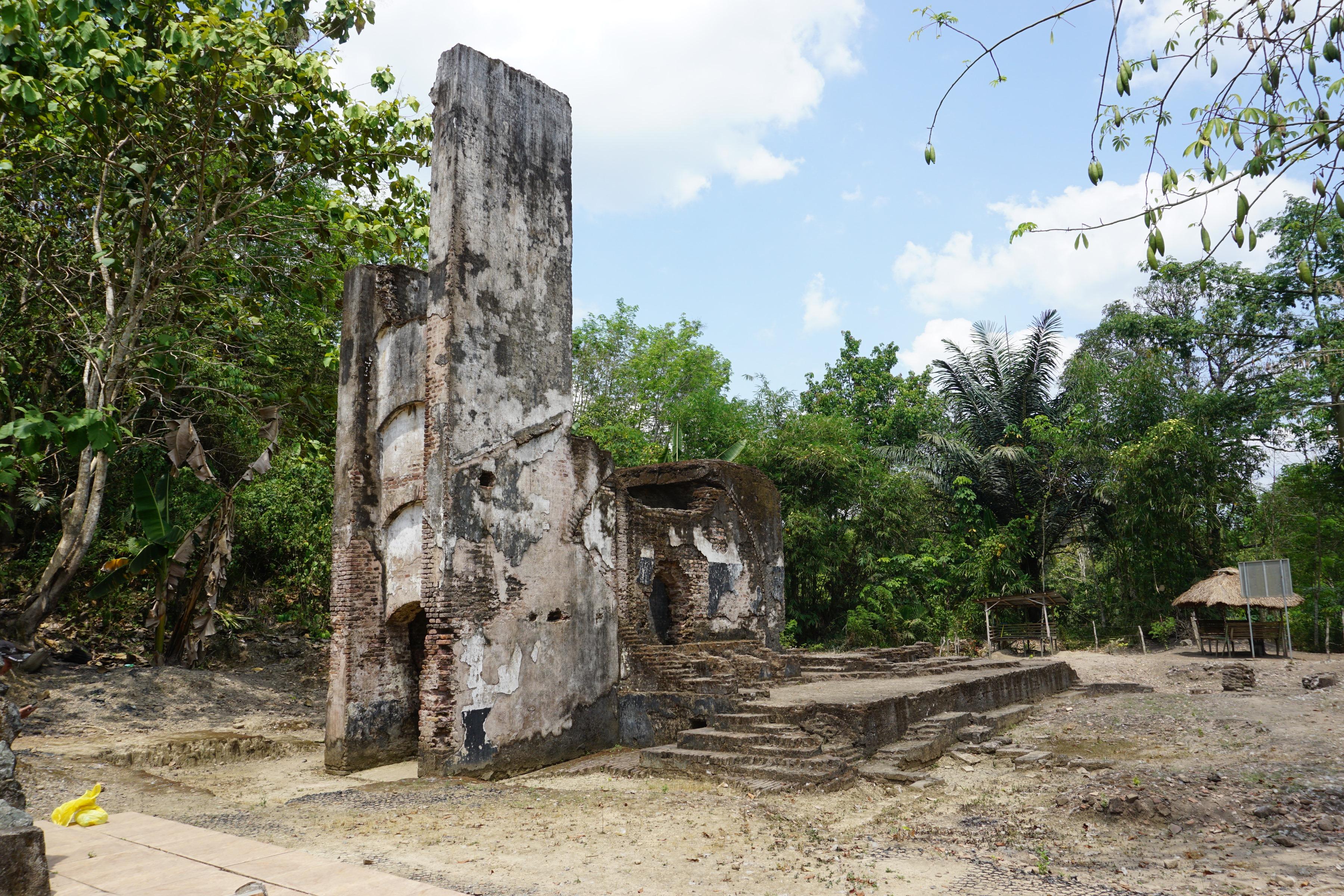 Read more about the article Bekas Pertambangan Batu Bara Pengaron, Kalimantan Selatan