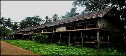 You are currently viewing Sejarah Rumah Panjang suku Dayak