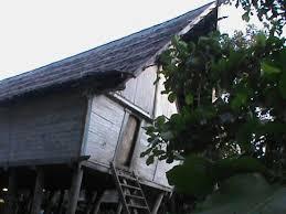 Rumah Adat Desa Rumbang Perak