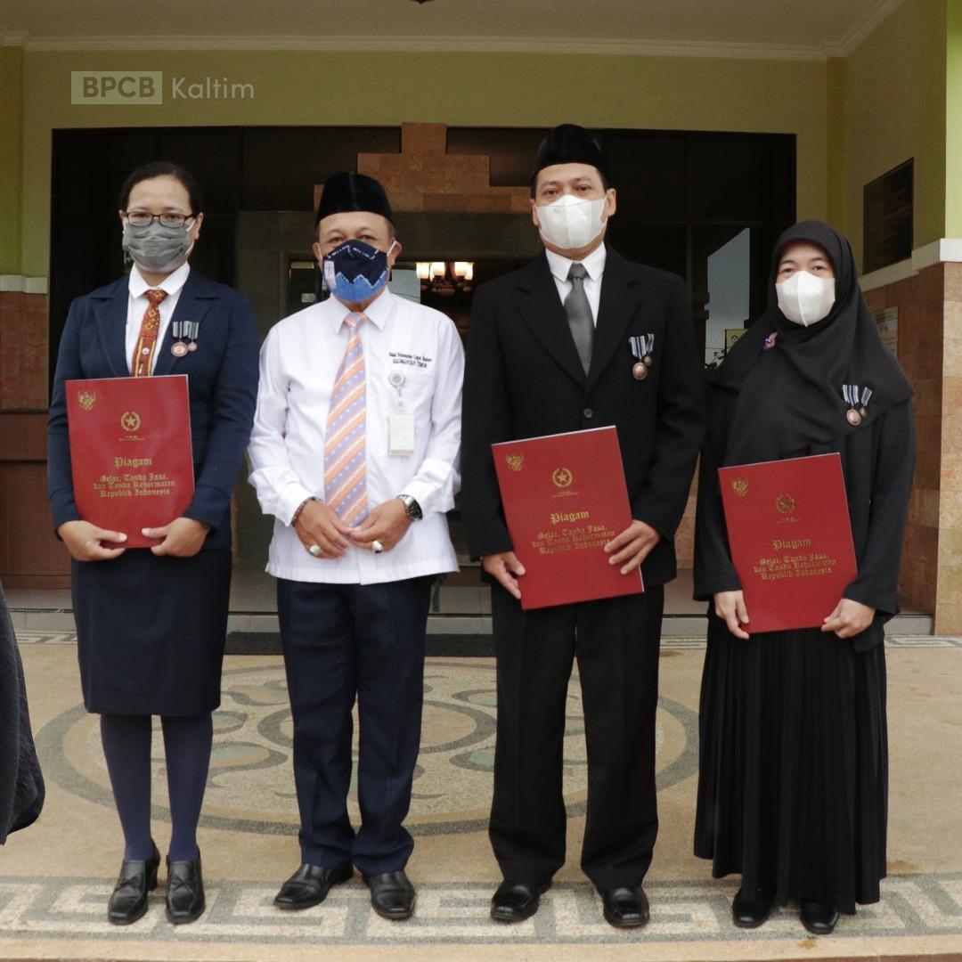 Read more about the article Penyerahan Satyalancana Karya Saty