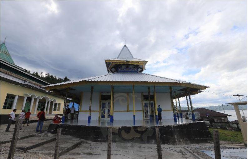 Masjid Tua Lawataka