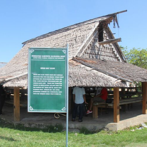 Rumah Adat Sasadu Gamtala