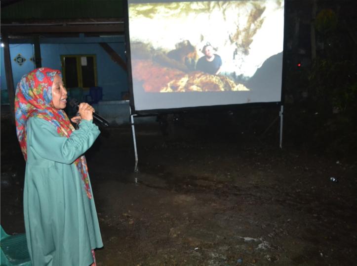 Read more about the article PEMUTARAN FILM VIA BIOSKOP KELILING DI DESA BELAE KABUPATEN PANGKEP
