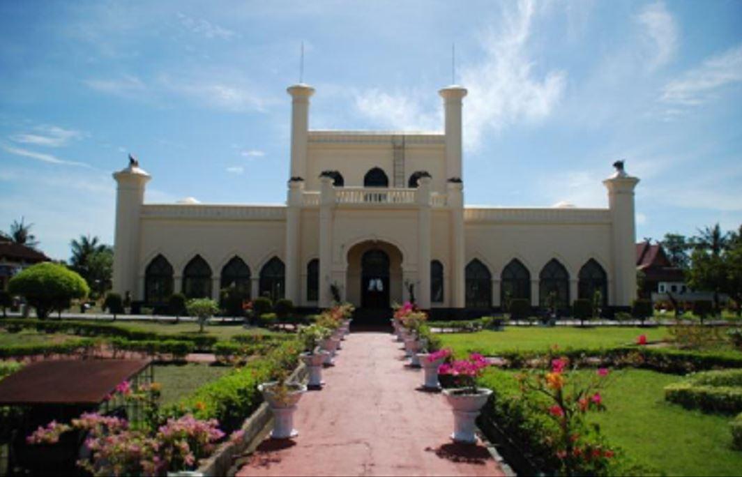 Read more about the article Istana Siak dalam Dimensi Sejarah dan Arkeologi