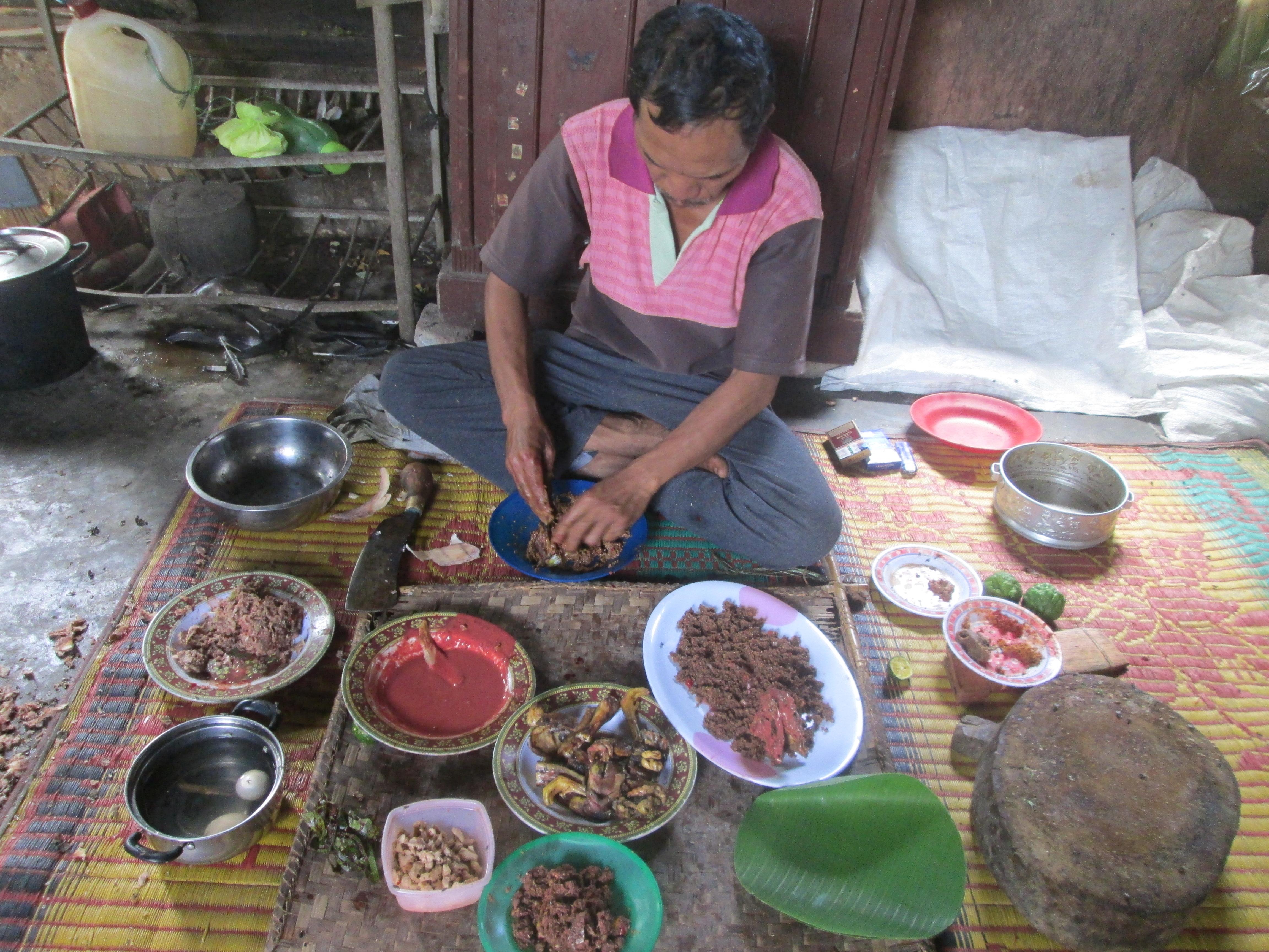 Dayok Binatur Makanan Adat Masyarakat Simalungun