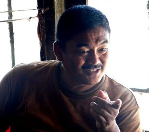 Read more about the article Yusri Buksir, Pelestari Tapis dari Pesisir Barat