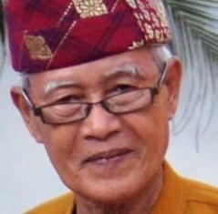 Read more about the article Mamak Lawok, Seniman Hahiwang dan Muayak dari Pesisir Barat