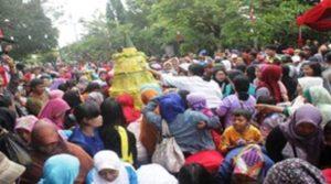 Upacara Tradisional Babarit di Kabupaten Kuningan