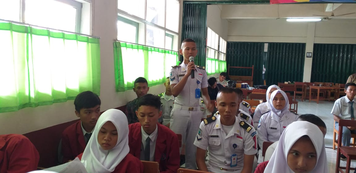 Read more about the article Siswa SMK PGRI Subang Tonton Film bertema kebudayaan