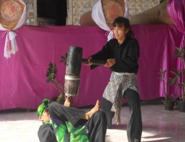 Read more about the article Debus, Kesenian Tradisional Masyarakat Banten