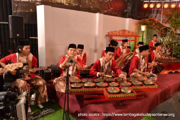 Read more about the article Apa dan Bagaimana Peralatan Musik Gambang Kromong